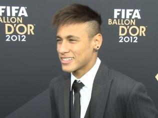 Reprodução YouTube/FifaNeymar concede entrevista na chegada à premiação dos melhores do ano da Fifa