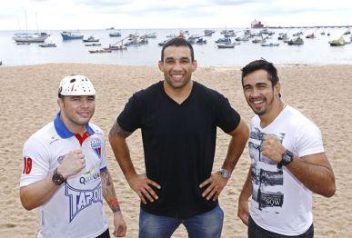 Os lutadores Rony Jason, Fabricio Werdum e Godofredo Pepey (FOTO: Divulgação/UFC)