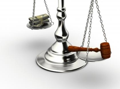 corruption-justice-money-justica-dinheiro-qual-pesa-mais-na-balanca