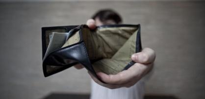 midia-indoor-wap-tv-carteira-vazia-salario-pagamento-inadimplencia-inadimplente-dinheiro-juros-debito-devedor-dever-devendo-credito-trabalho-emprego-desemprego-desempregado-1297179570762_615x300