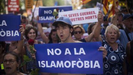 manifestacion-podido-ver-mensajes-islamofobia_ediima20170826_0412_20
